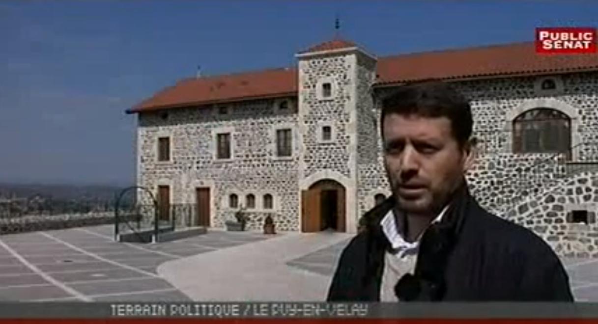 la mosquée du Puy-en-Velay est équipée de haut-parleur afin d'amplifier l'appel à la prière.