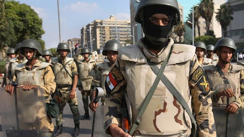 Exclusif: L'Égypte envoie des troupes au sol contre l'EI en Libye