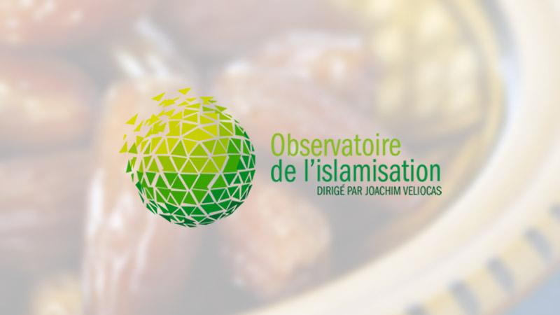 Des centaines d'algériens mangent en public pour protester contre le ramadan obligatoire