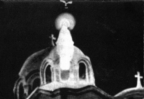 Le 2 avril 1968, apparition de la Sainte Vierge au dessus d'une église du Caire.