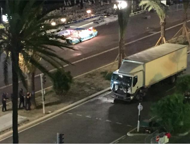 Attaque à Nice : 73 morts écrasés, une centaine de blessés