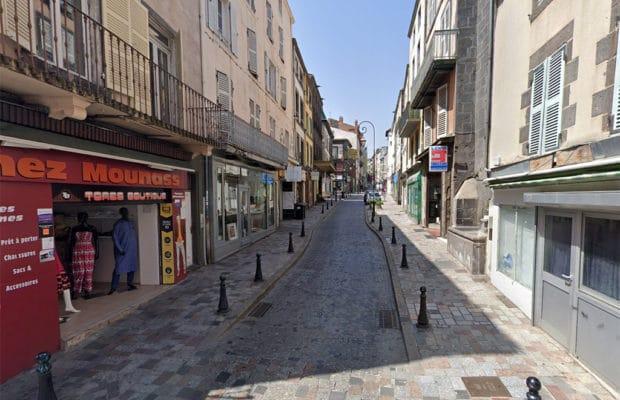 Clermont-Ferrand : armé d'un couteau, il menace et agresse des passants en hurlant « Allah Akbar »