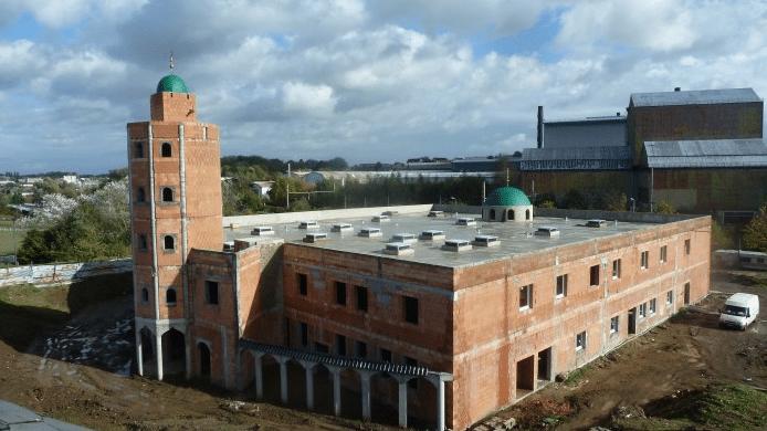 Une grande mosquée frero-compatible à Louvroil en voie de finalisation